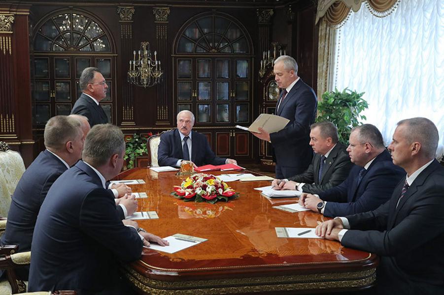 Лукашенко правит.png
