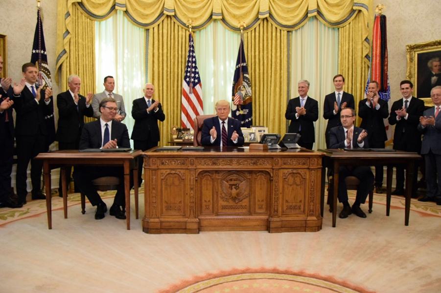 Вучич у Трампа подписывает соглашение с Хоти по экономическому сотрудничеству с Косово, 4.09.20.png