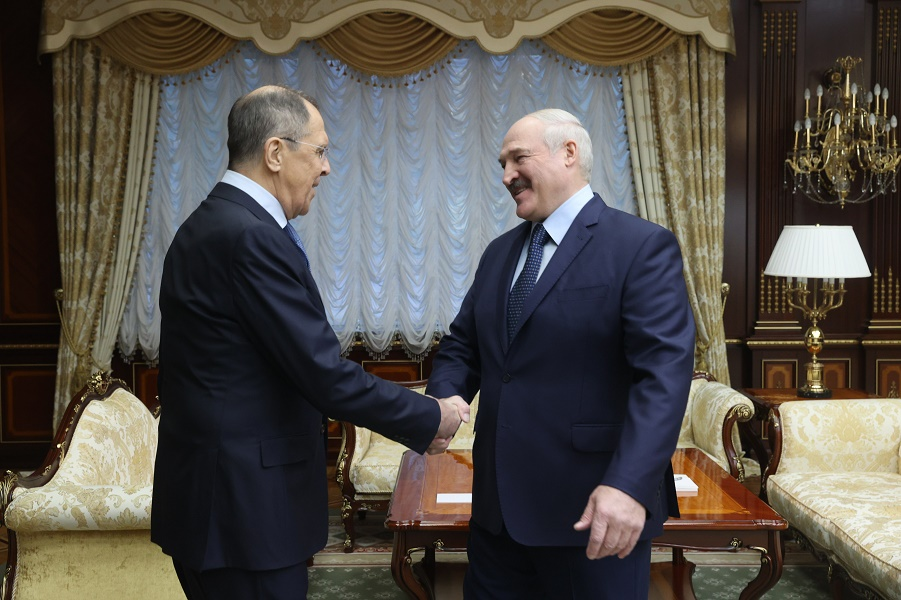 Лукашенко принимает Лаврова с приветом от Путина, 26.11.20.jpg