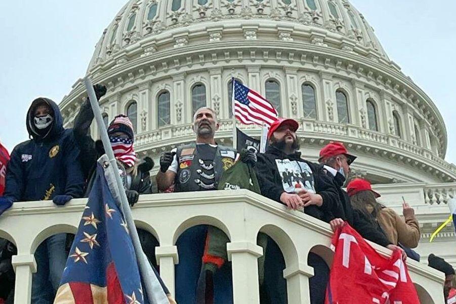 Штурм Капитолия сторонниками Трампа, 7.01.21.jpg