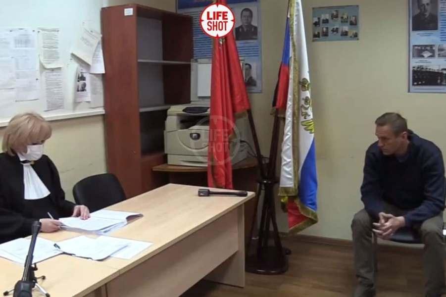 Выездной суд над Навальным, 18.01.21.jpg