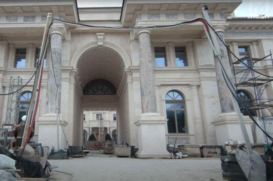 Дворец, съемка Mash.jpg