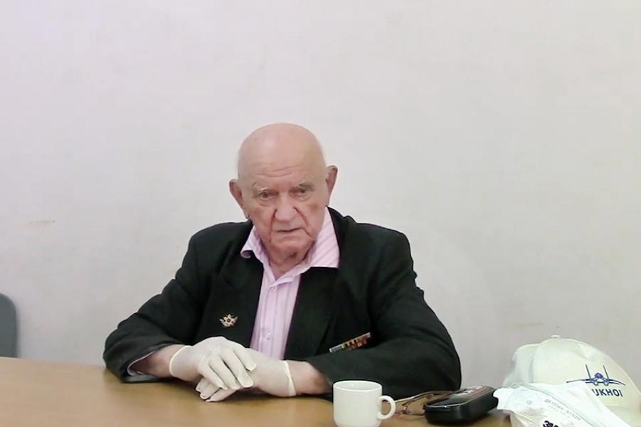 Ветеран Игнат Артеменко во время процесса.jpg