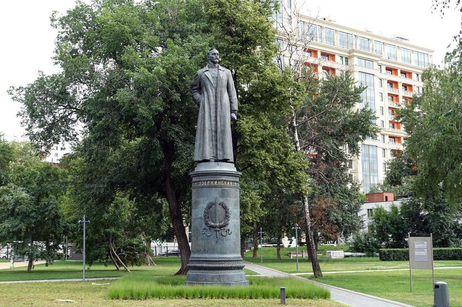 Памятник Дзержинскому в Музеоне.jpg