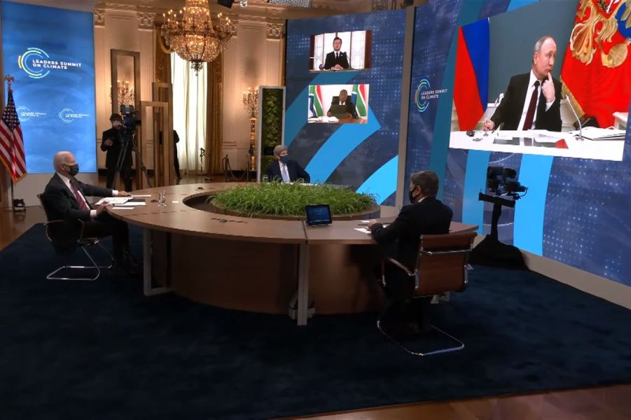 Байден, Блинкен и Керри слушают Путина, 22.04.21.jpg