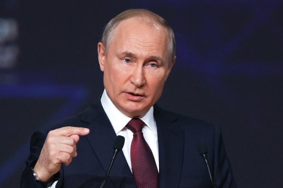Путин на ПМЭФ, 4.06.21.jpg