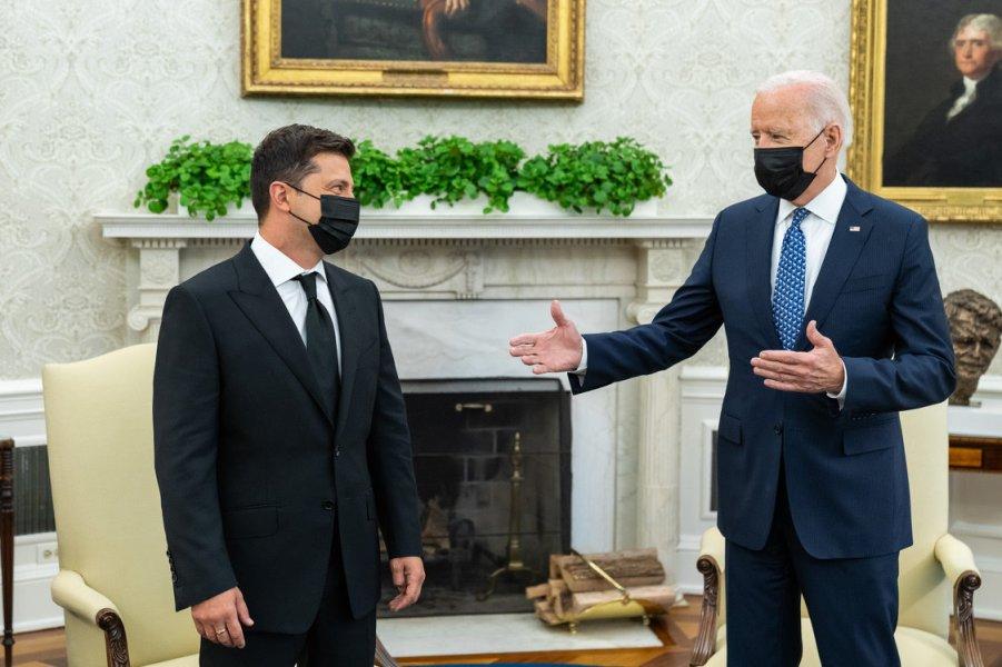 Байден и Зеленский в Белом доме.jpeg