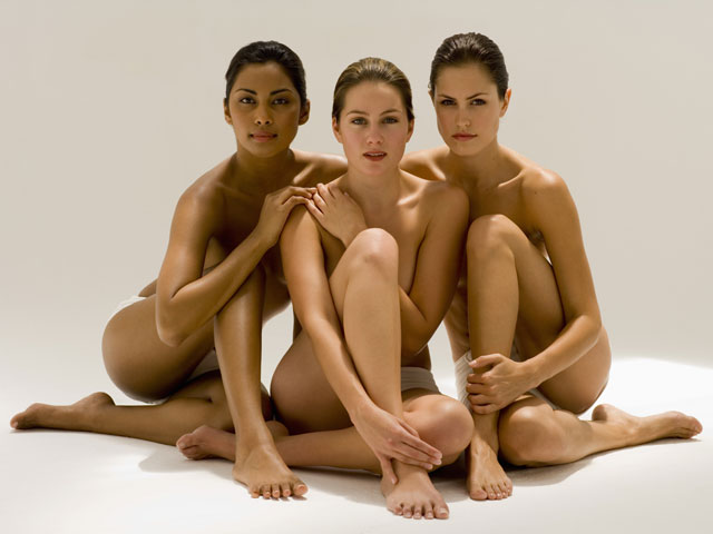 Wemens in group nude photo — pic 8