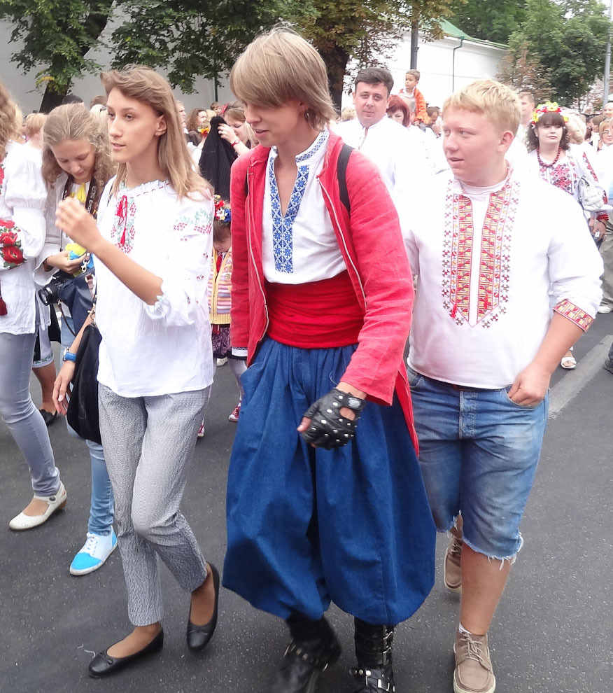 parad-vyshivanok-11