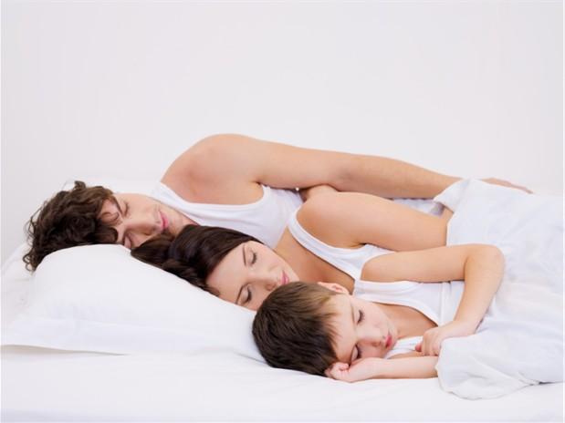 Sleeping family iStock_000011512715Small