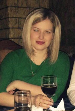 Снежана Никифорова пьёт.jpg