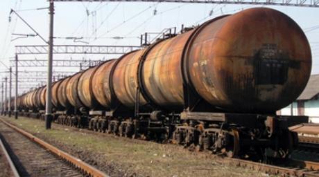 На железной дороге под Челябинском произошла утечка дизеля Под Челябинском из ж/д состава произошла утечка дизельного...
