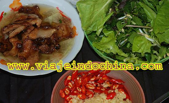 http://viajeindochina.com/guia-de-viajes/vietnam/alimentos-y-bebidas.html