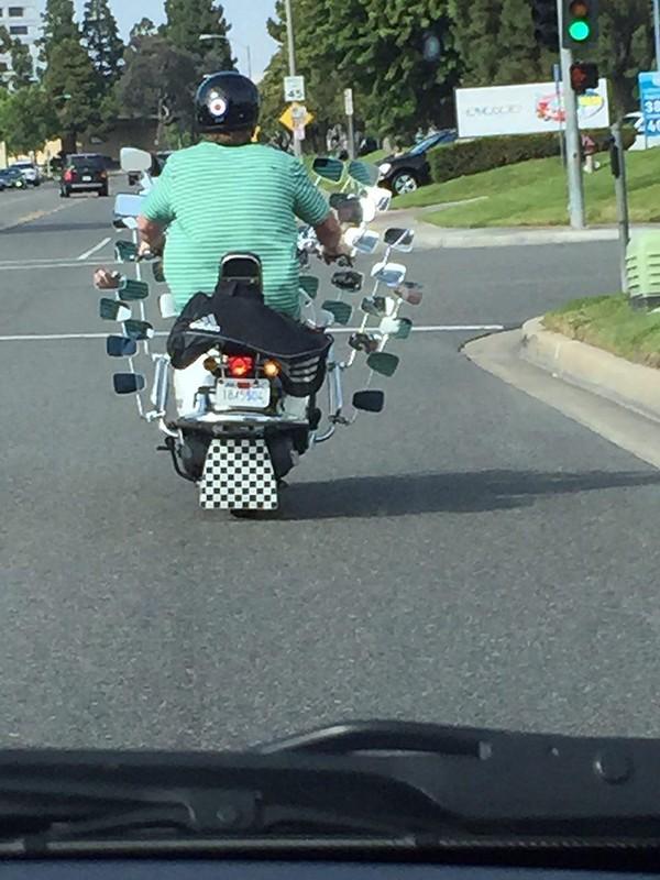 Внимательный мотоциклист