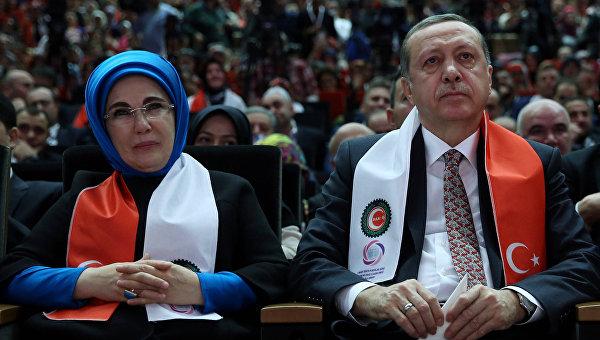 Жена Эрдогана назвала гаремы школой жизни