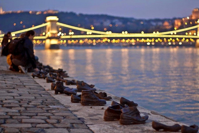 shoes-on-danube-1