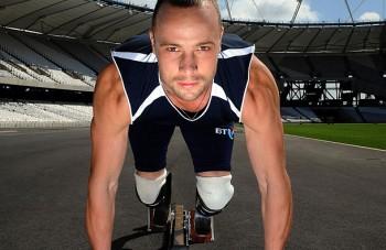 Знаменитого паралимпийца Оскара Писториуса, застрелившего свою девушку, выпустили на свободу
