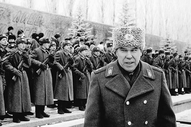 Герой России генерал Рохлин