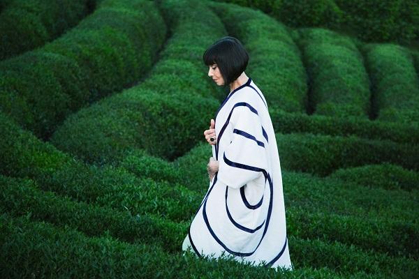 Одежда для женщин элегантного возраста, вдохновлённая садами