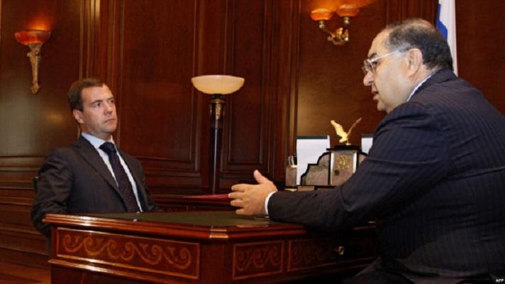 Медведев разрешил Усманову собирать «налог» со всех товаров в России