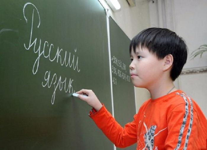 За «Учите русский!» – тюрьма, за похвалу убийц – ничего. Это свобода слова?