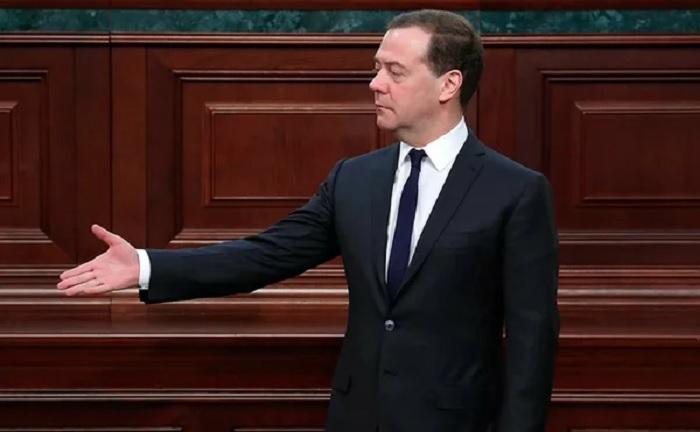 5 вопросов Медведеву по поводу экономической ситуации в стране