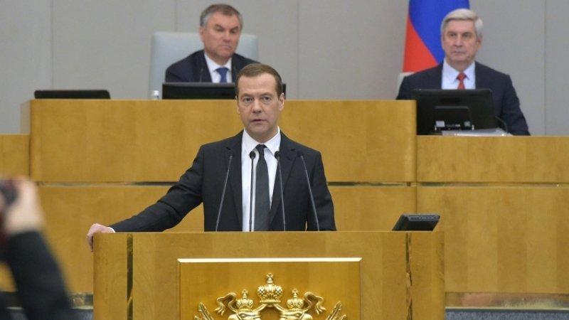 В Госдуме все чаще критикуют правительство за экономический провал - а толку?