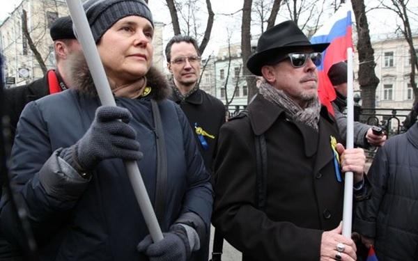 Макаревич, Собчак и Ко напросились — к ним едет толпа «свидомых»