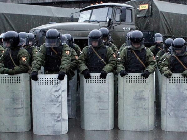 Россия не будет применять армию для разгона