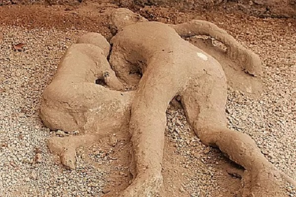 На Марсе нашли окаменевшую женщину