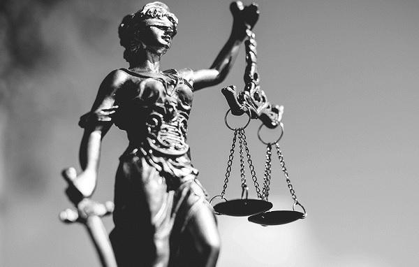 Как стать успешным юристом