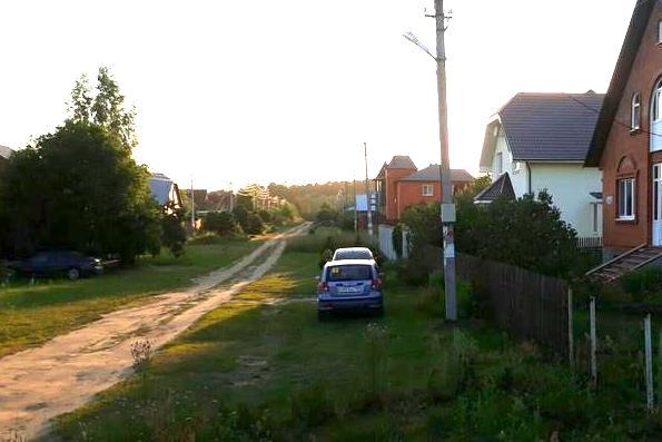 Русский бред - деревенских жителей стали штрафовать за парковку на траве