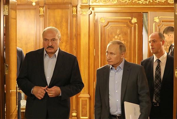 Отбирая все шансы у Лукашенко, Путин дает ему один важный шанс