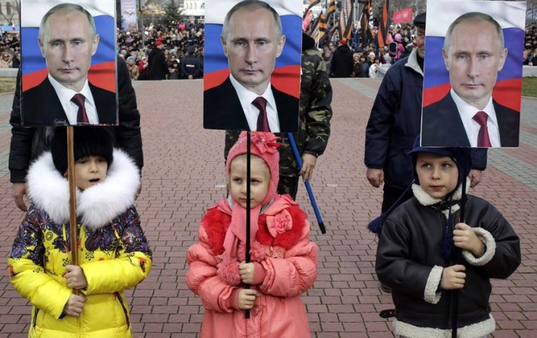 Паразитирование на детях: хочешь спасти деток – голосуй за пожизненную власть Путина