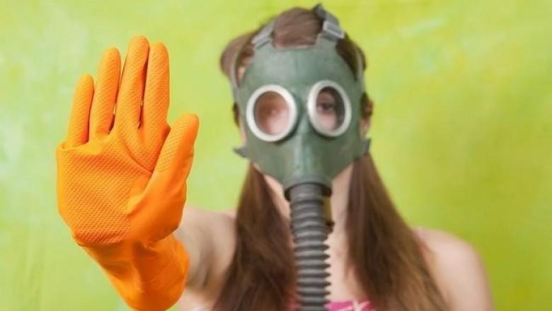 Собянин вводит маски и перчатки – против вируса или против москвичей