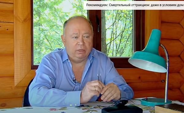 А есть ли у России президент? Тот, кто является гарантом прогресса, правды и свободы?