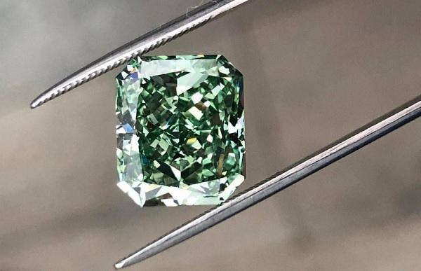 Скупка бриллиантов в элитном ломбарде «Рублевский»