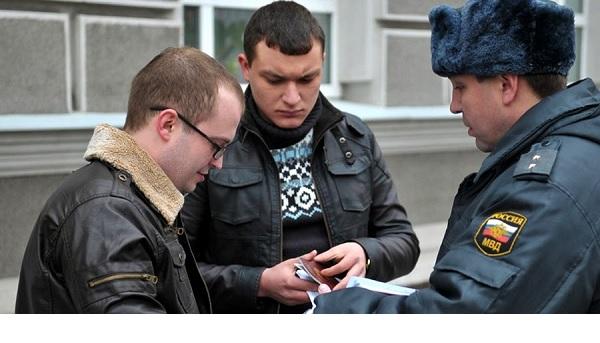 Как говорить с полицией. Разговор с полицейским. 10 полезных фраз
