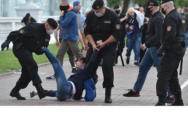 По Белоруссии прокатилась масштабная волна протестных выступлений