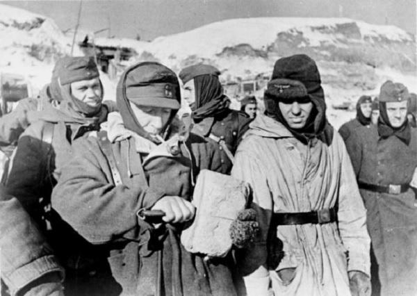 Как кормили пленных немцев