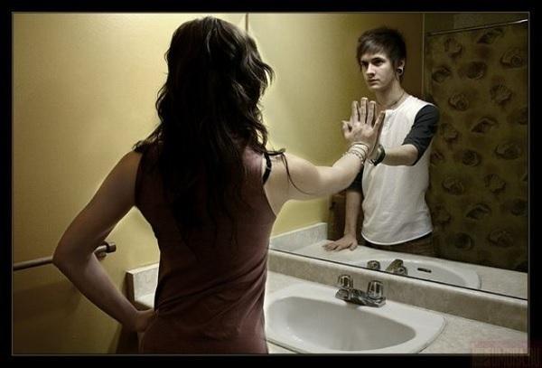 Мужчина и женщина: смотрю в тебя как в зеркало...