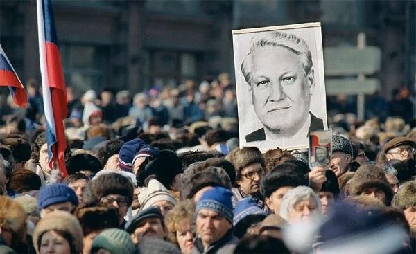 СССР развалили коммунисты?