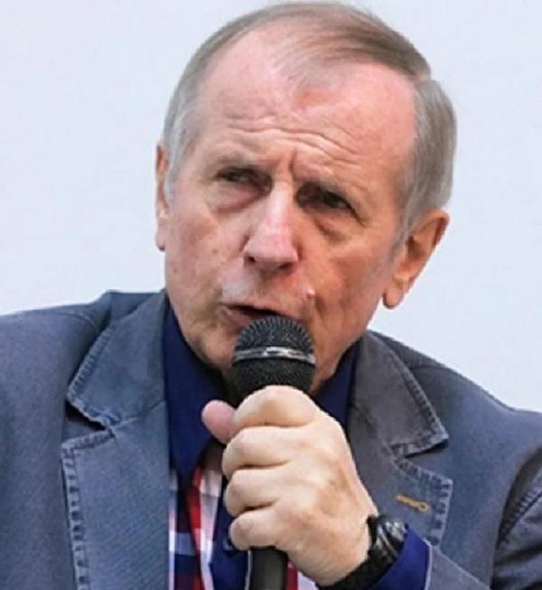 Михаил Веллер рассказал о том, что по его мнению стало главной причиной распада СССР