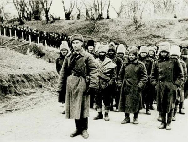 Колонна военнопленных-румын.