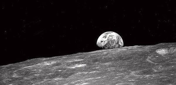 Фотография Земли астронавта Уильяма Андерсаво время миссии «Аполлон-8»