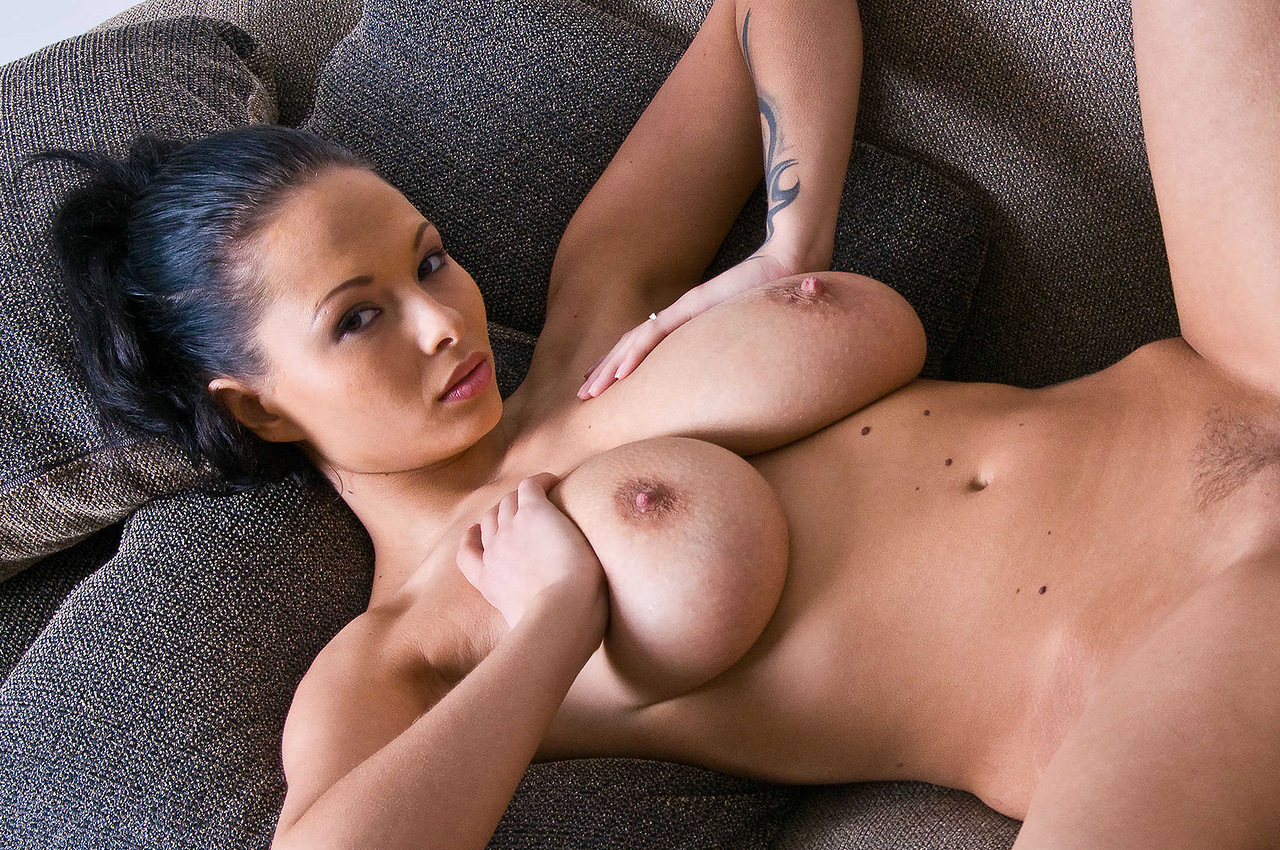 and-white-huge-boob-nude-video