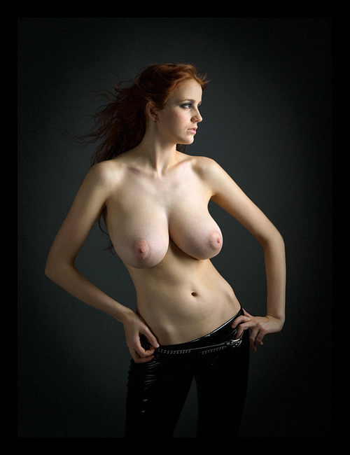 девушки с необычной грудью
