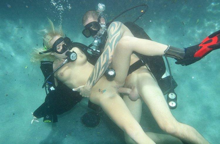 смотреть секс под водой с аквалангом