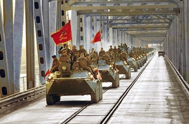 СССР погиб не из-за нефти и Афганистана, а потому что утерял свой смысл