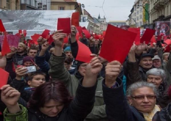 Революция в России: стоит ли ее ждать, а от нее – добра?
